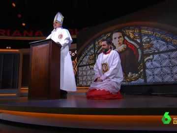 El monaguillo Mateo pide perdón al dios Aznar