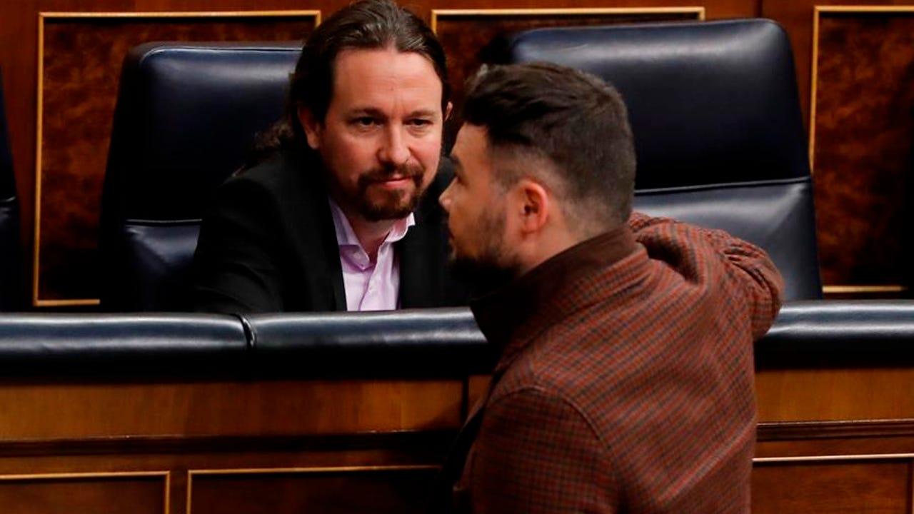 27/02/2020 18:24 (UTC) Crédito: EFE Fuente: EFE/EFE Autor: Ballesteros Temática: Política El vicepresidente del Gobierno, Pablo Iglesias conversa con el líder de ERC, Gabriel Rufián.