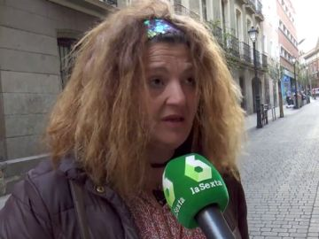 """La trágica situación de Estrella, una mujer que vive en la calle: """"Cobro 500 euros y mis hijas están en el instituto"""""""