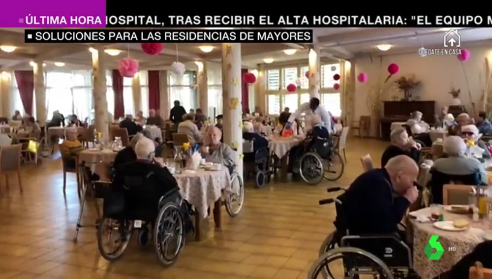 De confinarse junto a los ancianos a trasladarlos a hoteles: las medidas que toman las residencias contra el coronavirus