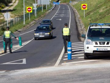 Imagen de archivo de un control de carretera de la Guardia Civil.