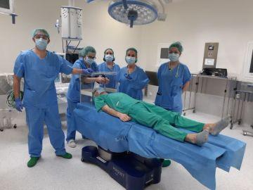 Urnas de votación para evitar que los pacientes contagien a los sanitarios