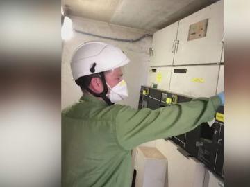 El arduo trabajo de mantener un hospital encendido