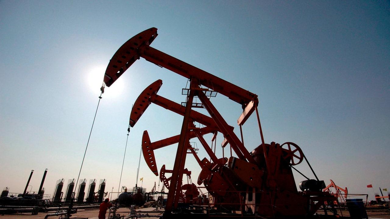 El petróleo alcanza mínimos históricos