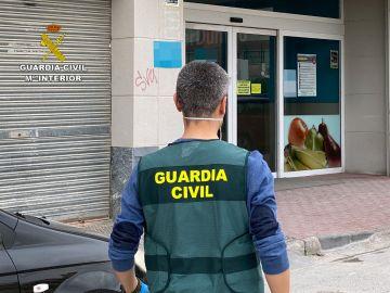 Detenida tras difundir una nota de voz acusando a una cajera de un supermercado de tener coronavirus