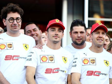 Mattia Binotto, Charles Leclerc y Sebastian Vettel