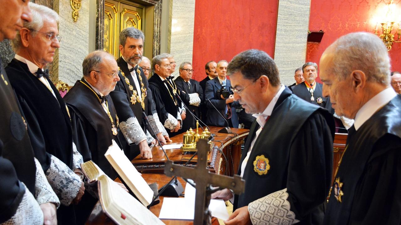 Luzón apadrinó al Fiscal Miguel Ángel Torres en su toma de posesión en 2015
