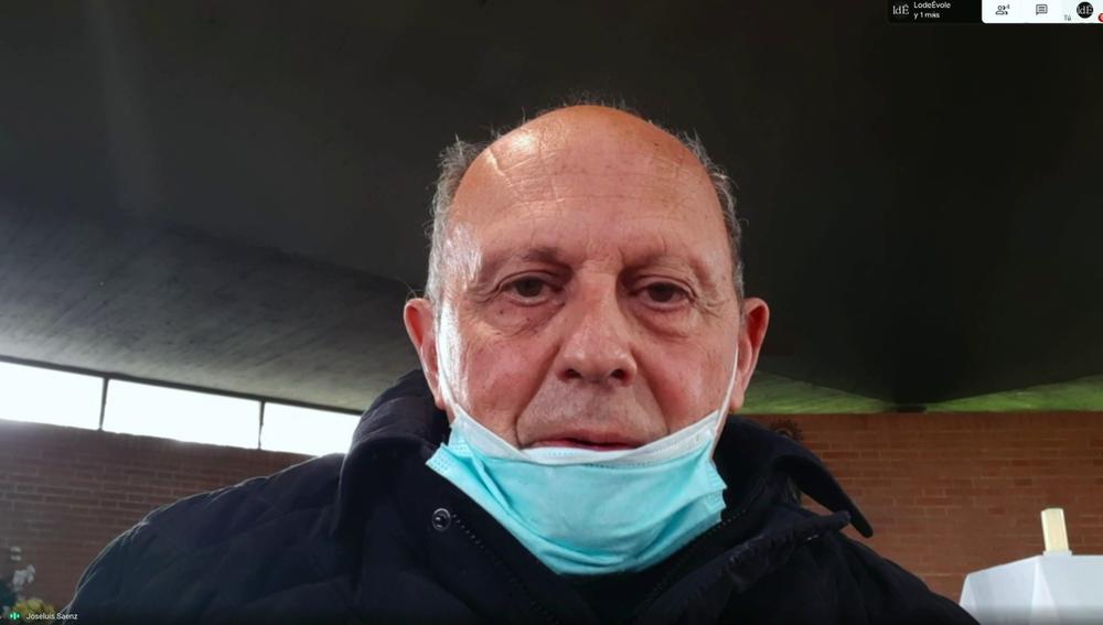El padre José Luis Sáenz habla con Jordi Évole