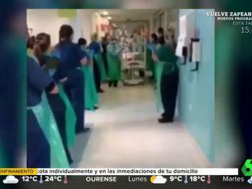 El conmovedor aplauso de los sanitarios a una bebé de seis meses tras vencer al coronavirus