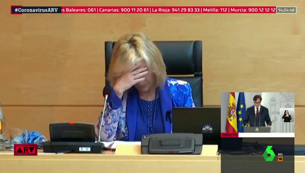La consejera de Sanidad de Castilla y León rompe a llorar al recordar a los sanitarios fallecidos por coronavirus