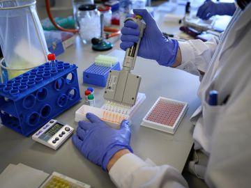 Laboratorio de una empresa de biotecnología durante unas pruebas