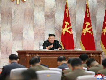 Kim Jong-un, durante el encuentro militar