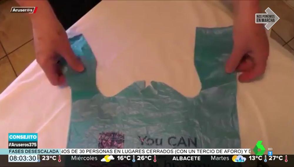 El truco definitivo para abrir las bolsas de plástico del supermercado