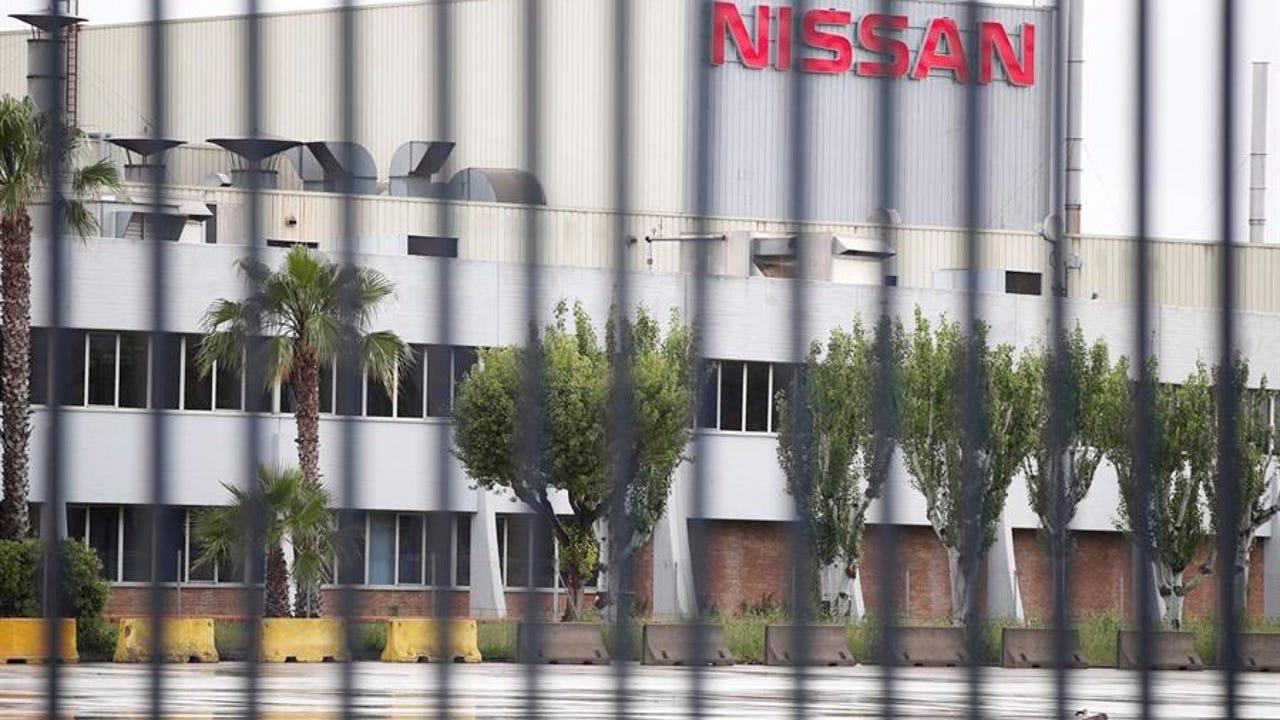 El Gobierno cree que es reversible la decisión de Nissan de cerrar las plantas de Barcelona