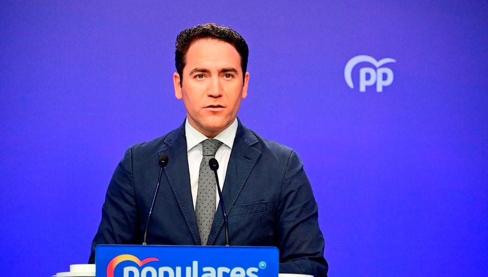 Teodoro García Egea ante los medios