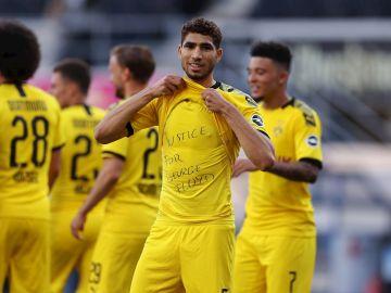 Achraf Hakimi celebra un gol
