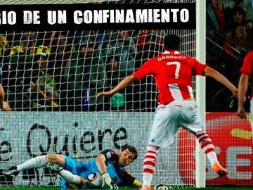 Casillas para un penalti a Cardozo en el Mundial