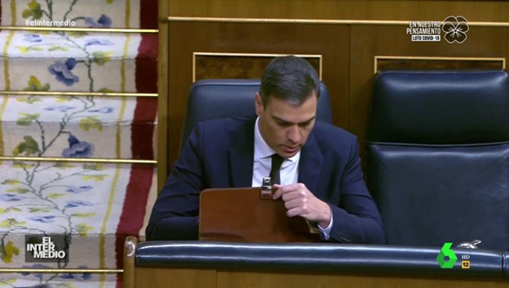 Vídeo manipulado - Pedro Sánchez 'pierde los papeles' antes de su intervención en el Congreso