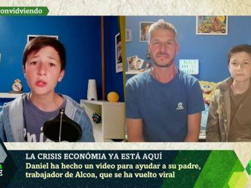 """Hablan el niño que pidió a Sánchez evitar el cierre de Alcoa y su padre: """"Que nos ayude para que tantas familias no se queden sin trabajo"""""""