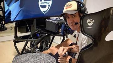 Fernando Alonso en su simulador