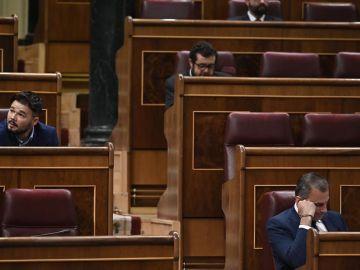 Gabriel Rufián y Javier Ortega Smith en el Congreso