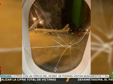 Una pasajera borracha obliga a hacer un aterrizaje de emergencia tras romper la ventanilla del avión