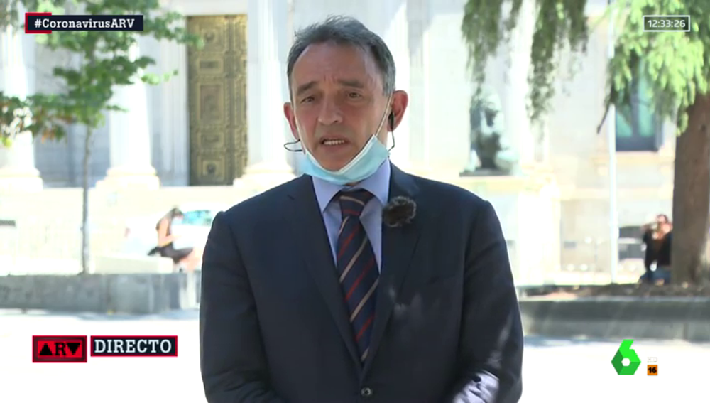 """Enrique Santiago (IU): """"Este sistema tenía los pies de barro, en dos meses de paralización hemos tenido gravísimas consecuencias"""""""