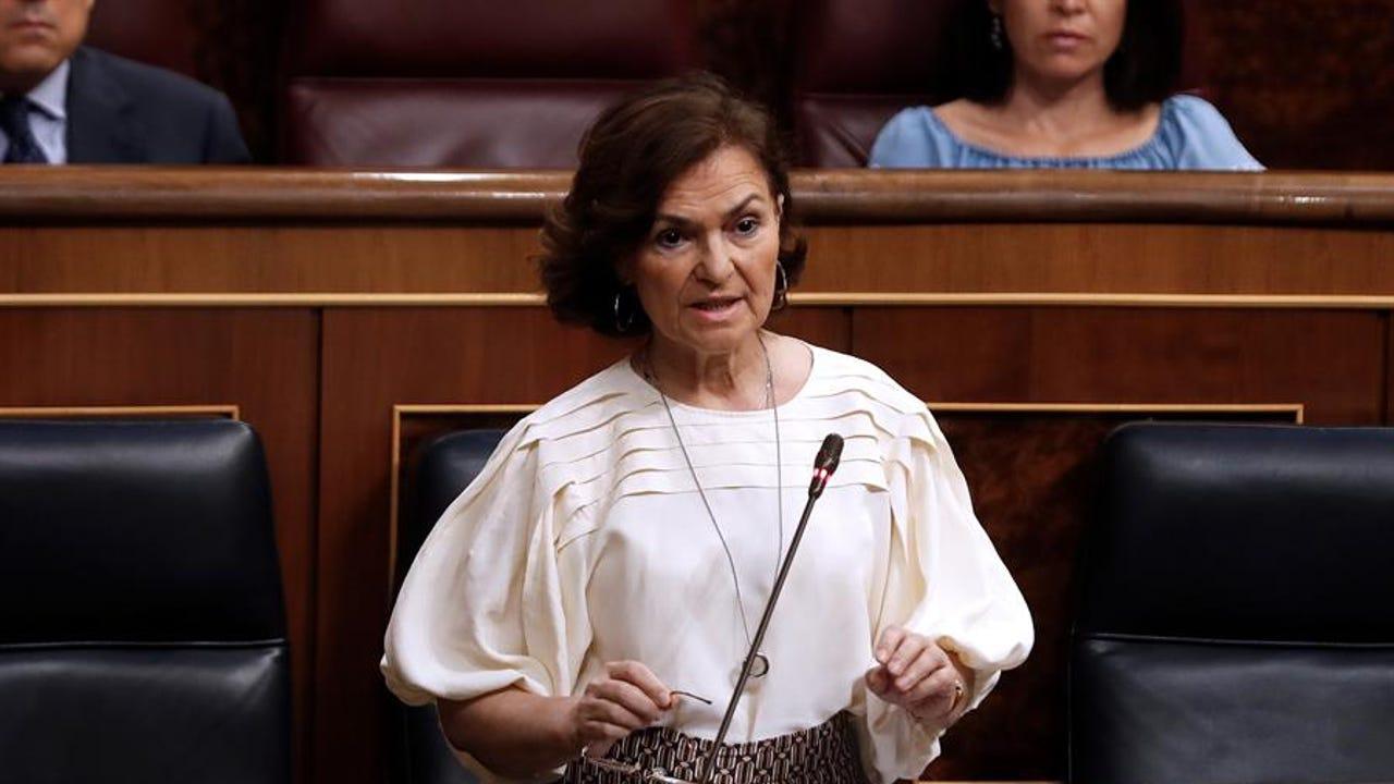 La vicepresidenta primera del Gobierno, Carmen Calvo durante la sesión de control al Gobierno.