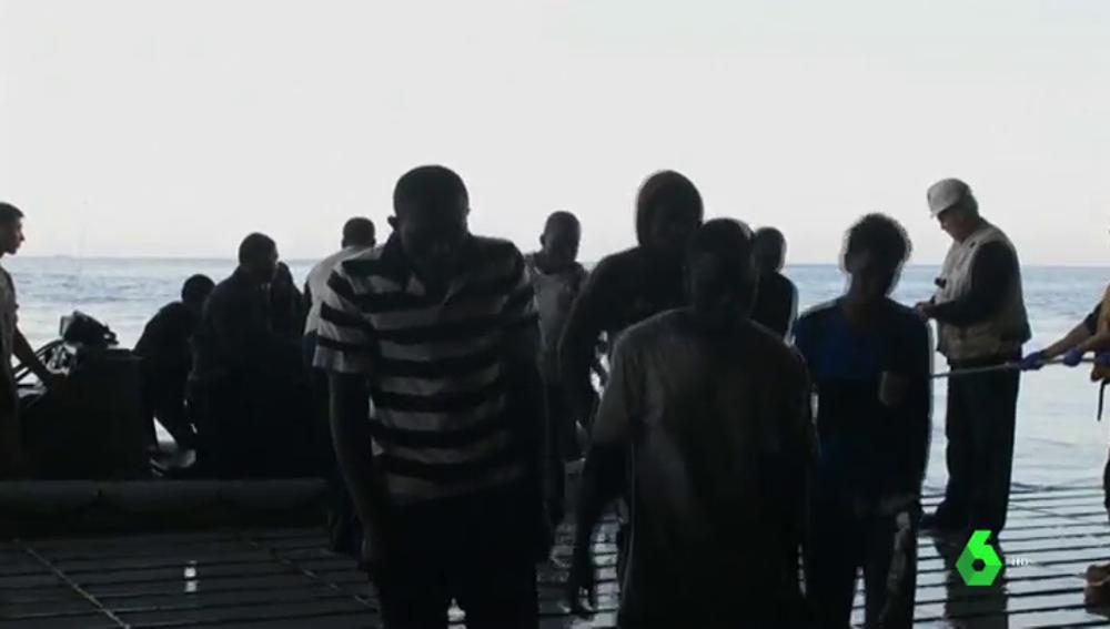 Desmantelan una red de tráfico de personas que llegó a organizar 20 viajes en patera a las Islas Canarias