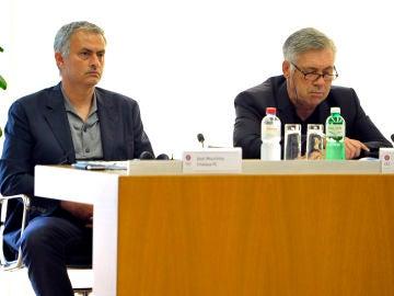 José Mourinho y Carlo Ancelotti, en una reunión de la UEFA