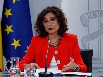 La ministra de Hacienda y portavoz del Gobierno, María Jesús Montero durante la rueda de prensa tras el Consejo de Ministros