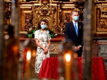 Los reyes don Felipe y doña Letizia presiden la misa y la ofrenda al apostol Santiago