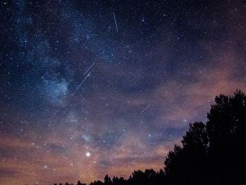 Qué ver en el cielo esta semana: NEOWISE, acuáridas, perseidas y Marte
