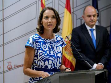 La ministra de Industria, Comercio y Turismo, Reyes Maroto, durante la rueda de prensa en Ibiza