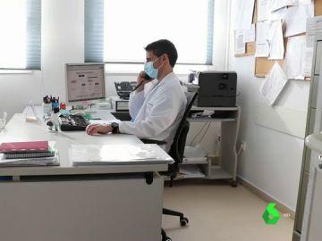 Imagen de archivo de un profesional sanitario
