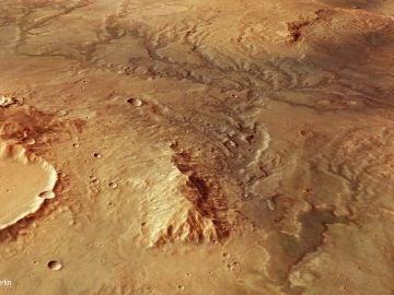 Marte: la erosión de agua bajo el suelo glacial formó los valles del planeta rojo