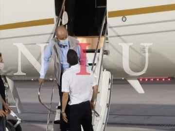 El rey Juan Carlos aterrizando en Abu Dabi