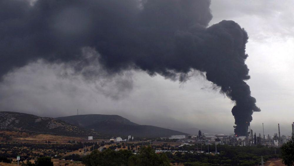 Incendio en la planta de Repsol de Puertollano