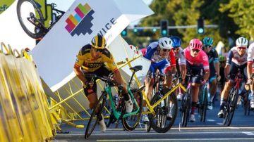 Dylan Groenewegen y Fabio Jakobsen, en el accidente en la Vuelta a Polonia.