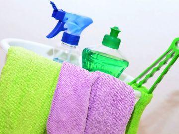 Imagen de archivo de productos de limpieza
