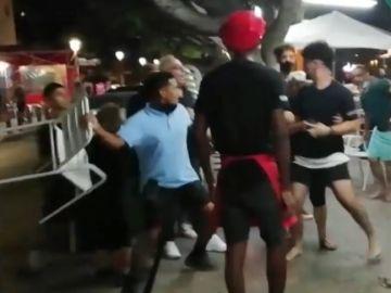 Imagen de la agresión en un chiringuito en El Palo