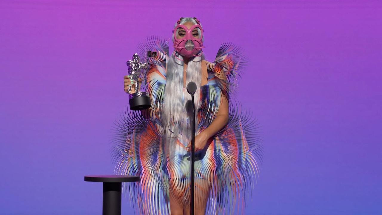 Lady Gaga se lleva cinco galardones en la noche de la MTV