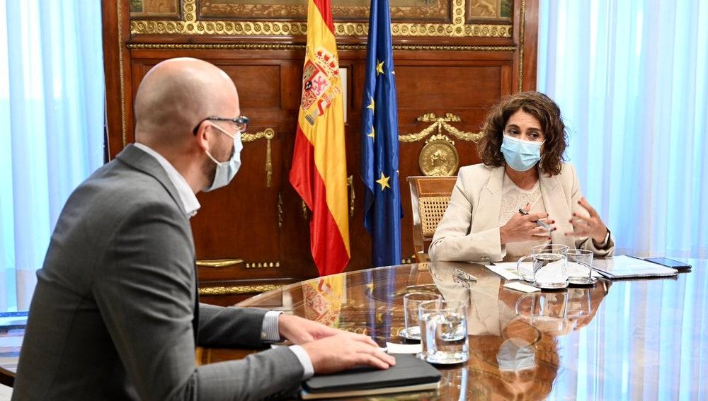 La ministra de Hacienda, María Jesús Montero, y el secretario de Estado de Derechos Sociales, Nacho Álvarez.