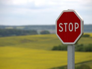 Ponte a prueba con el nuevo test de la DGT sobre señales de tráfico