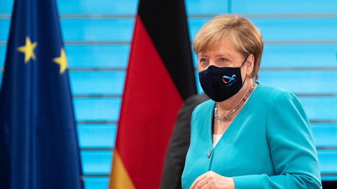 Imagen de archivo de Angela Merkel con mascarilla