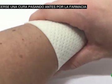 Sin material de cura en los centros de salud de Madrid: los pacientes tienen que comprar los apósitos o las vendas antes de ir al médico