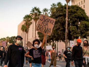 Manifestantes protestan en Washington por la muerte de Breonna Taylor