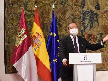 Emiliano García Page durante la rueda de prensa en Toledo