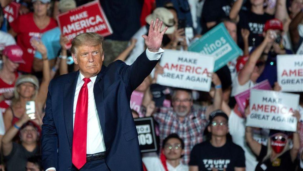 Donald Trump en un acto de campaña en Florida