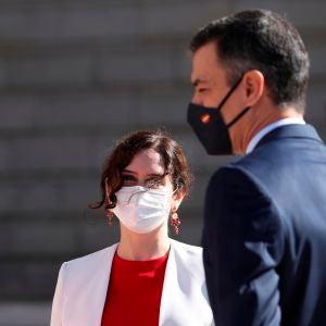 Isabel Díaz Ayuso junto a Pedro Sánchez en un acto el 12 de octubre